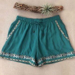 Anthro Hei Hei Isle Embroidered Shorts sz S